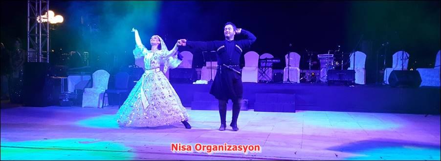 Düğünde Kafkas Dans Ekibi